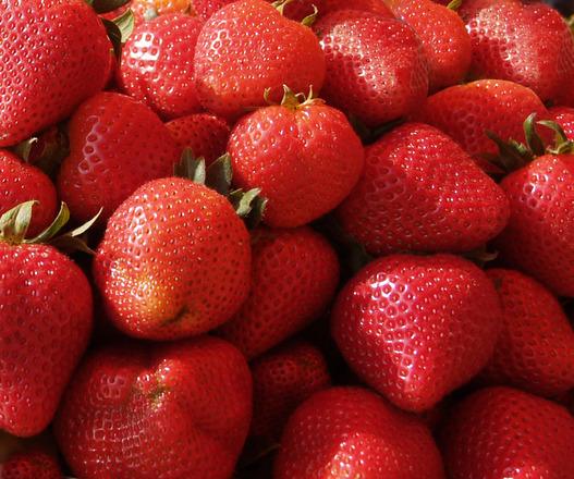 stawberries-1319292.jpg#asset:942